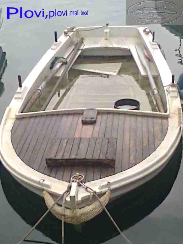 plovi_mali_brod